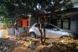 Tiga orang tewas akibat banjir bandang di Kabupaten Bandung