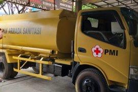 PMI operasikan truk penyedot tinja di pengungsian