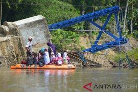 Aceh bangun sembilan jembatan gantung