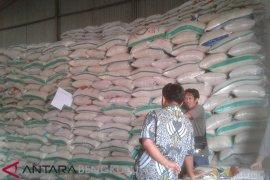 Demi kestabilan harga beras, Bulog Rejang Lebong gelar operasi pasar hingga Mei