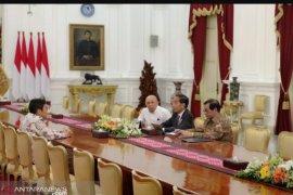 Presiden Jokowi terima CEO Bukalapak di Istana Merdeka