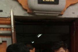 Komplotan pengedar 998,32 gram sabu-sabu Jakarta-Bali dituntut berbeda-beda