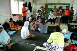 Floods force 88 Ngabang inhabitants to evacuate homes