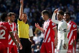 Ramos kembali dapat kartu merah saat Real dibekuk Girona