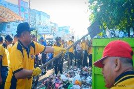 Aksi bersih-bersih sampah, Kapolda ajak masyarakat peduli kesehatan