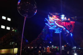 Atraksi naga berkilau pada malam puncak CGM Pontianak