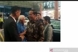 Presiden Jokowi jenguk Ani Yudhoyono di Singapura