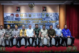 Menhan Ryamizard Ryacudu ingatkan purnawirawan soal jati diri TNI