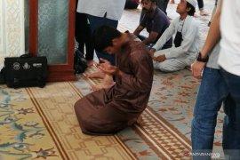 Di antara dua kotbah, doa-doa kemenangan dipanjatkan para pemain Timnas U-22