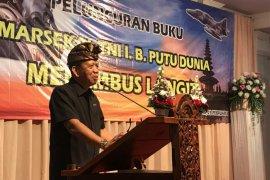 Mantan KSAU inspirasi pemuda-pemudi Bali melalui buku menembus langit