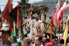 Turis China dilarang masuk, Festival Cap Go Meh Singkawang tetap meriah