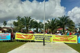 Ratusan warga Sungai Mayam tolak pelantikan kades terpilih