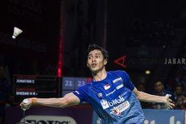 Shesar hadapi Lin di Thailand Open