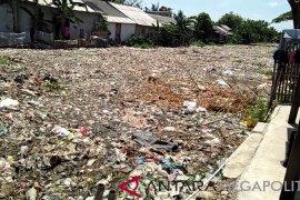 Sampah menumpuk di sungai, Pemkab Bekasi bentuk FPSS