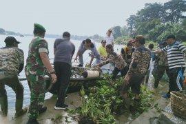 Pembersihan eceng gondok dan sampah plastik target gotong royong di Danau Sipin