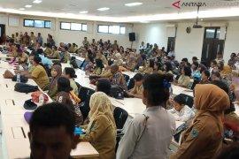 Guru SMA Papua Barat tuntut pembayaran sertifikasi