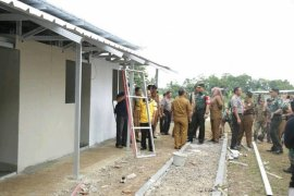 Bupati Pandeglang Apresiasi Bangunan Hunian Sementara Hampir Selesai
