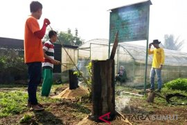 Mahasiswa Polbangtan Medan ciptakan arang sekam untuk media tanam