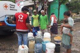 PMI distribusikan bantuan kebutuhan dasar korban banjir