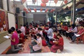 Tahun Baru imlek, Vihara Borubudur pasang pelita