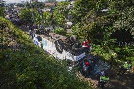 Sopir bus Kramat Jati terguling diamankan Polisi di Cimahi