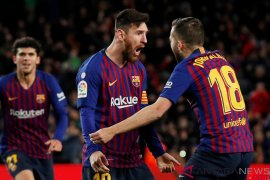 Lionel Messi selamatkan Barcelona dari kekalahan