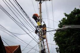 PLN antisipasi kerusakan jaringan listrik akibat pemasangan umbul-umbul kemerdekaan