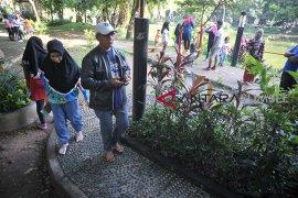 Menikmati Ruang Terbuka Hijau di Palembang Page 1 Small