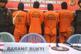 Empat pelajar Sukabumi diciduk polisi akibat tawuran