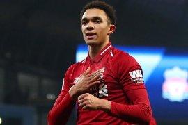 Alexander-Arnold kembali ke Liverpool setelah dikeluarkan dari Timnas