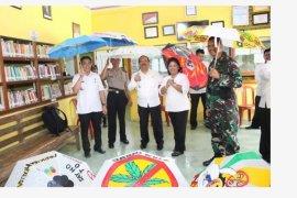 Wabup Sanggau apresiasi kreatifitas siswa SMP Kembayan