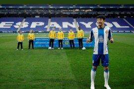 Pemain Espanyol asal China Wu Lei  positif COVID-19