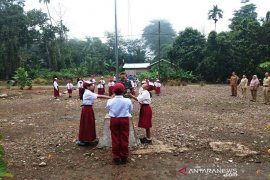 TNI Koramil 1001-01/Juai Tanamkan Rasa Cinta Tanah Air Kepada Pelajar