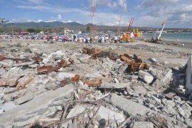Melasti di bekas tsunami Page 4 Small
