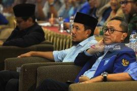 Zulkifli Hasan mengaku prihatin kasus Andi Arief