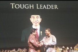 Presiden Jokowi peroleh penghargaan Tough Leader Obsession Awards 2019