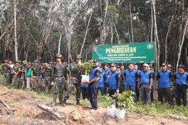 Kodim - KPH menanam pohon di  lokasi TMMD