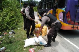 Polisi tingkatkan razia miras masuk Ambon
