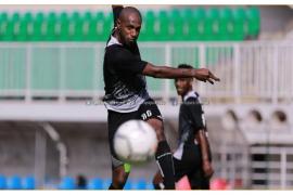 Boaz Solossa dilarang bermain di dua laga Liga 1