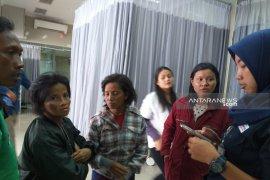 Keluarga Korban KRL anjlok datangi rumah sakit