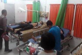 Lima korban Avanza masuk jurang 100 meter dilarikan ke RSU Sibolga