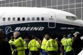 Pesawat Boeing 737 dengan 136 penumpang  tergelincir ke Sungai Florida