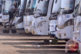 Kemacetan tol Jakarta-Cikampek jadi alasan kenaikan tarif Damri