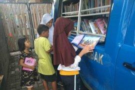 Pemkab Lebak layani perpustakaan mobil keliling budayakan membaca