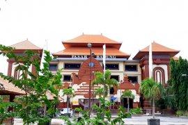Pasar Badung dilengkapi 18 spot WiFi gratis