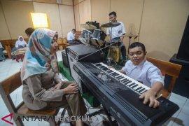 Pemkot Ambon prioritas terima guru musik 2021