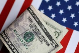 Dolar AS sedikit menguat seiring kekhawatiran akan resesi sementara