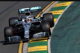 Juara Dunia F1 Lewis Hamilton rebut pole position GP Australia