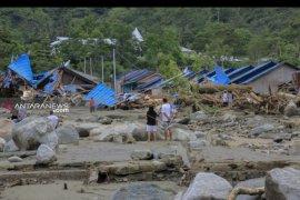 14 meninggal, 18 luka luka akibat banjir bandang di Sentani