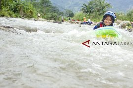 Potensi wisata air riverboarding